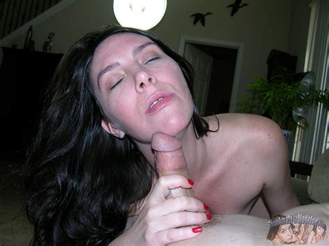 Mature Housewife Blowjob And Ass Crack Cumshot Pichunter