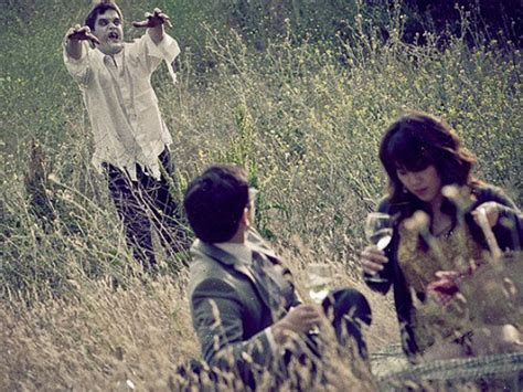 indahcom gambar pre wedding pasangan diserang hantu