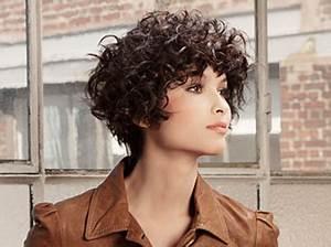 Cheveux Court Bouclé Femme : coupes courtes fris es ~ Louise-bijoux.com Idées de Décoration