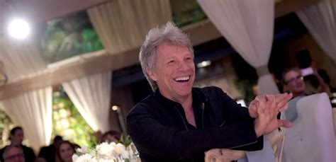 Jon Bon Jovi Offers Free Meal Furloughed Federal Employees