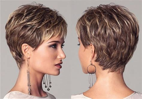 Medium Haircut For Women Photos   Hairs Picture Gallery