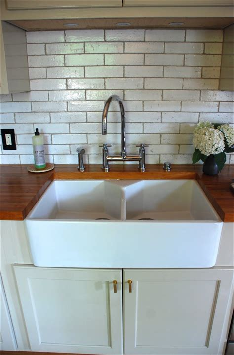 kitchen sink backsplash farmhouse kitchen sinks with backsplash kitchen ideas 2573