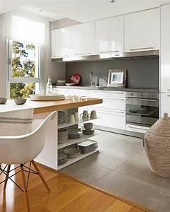Idee relooking cuisine ilot central en bois avec for Idee deco cuisine avec meuble bois