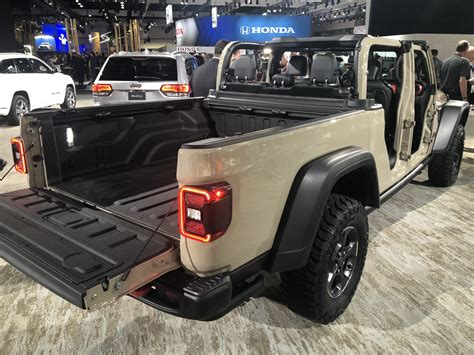 2020 Jeep Lineup by La Auto Show Jeep Adds The 2020 Gladiator Truck To
