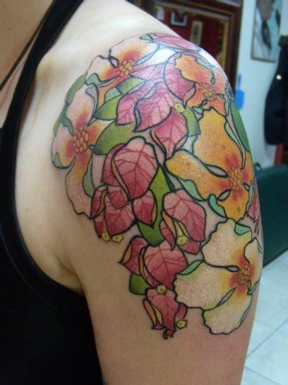 tatuaggio fiori sulla spalla tatuaggi fiori foto 36 40 pourfemme