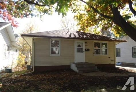 2 bedroom apartments lincoln ne 2br nice 2 bedroom house