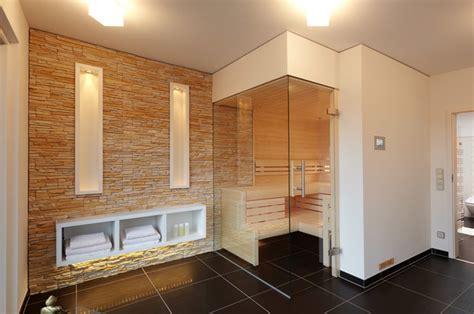 Badezimmer Modern Mit Sauna by Steinwand In Der Sauna Modern Badezimmer Sonstige