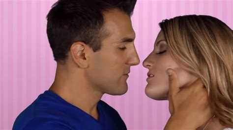 How To Do French Kiss French Kiss By Hot Teens Youtube