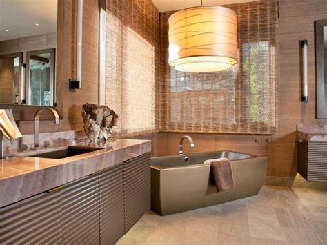 Badezimmer Mit Fenster by Bathroom Window Treatments For Privacy Hgtv
