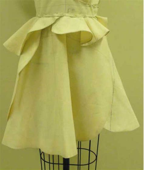 Draping Designs - what is fashion draping and why should designers learn