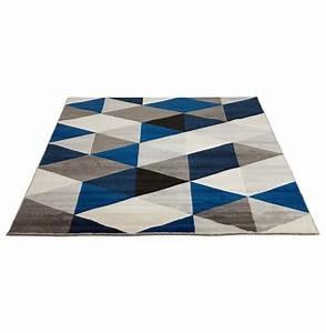 tapis design grafik grand tapis de salon aux tons bleus With tapis graphique bleu