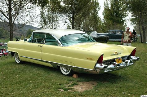 1956 Lincoln Premiere - Information and photos - MOMENTcar