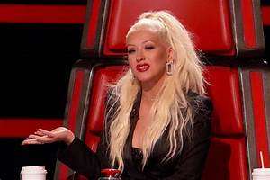 """Should We Just Make Out Now?"" Christina Aguilera Kisses A ..."