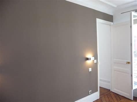 peindre une chambre avec deux couleurs peinture dans une piéce non dédiée 29923090 sur le