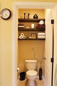 deco wc 12 idees superbes de decoration toilette With kitchen cabinets lowes with pliages serviettes papier facile