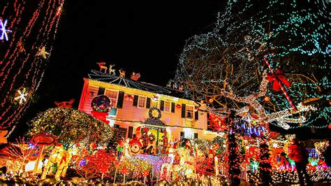 seattle s best neighborhood for holiday lights still