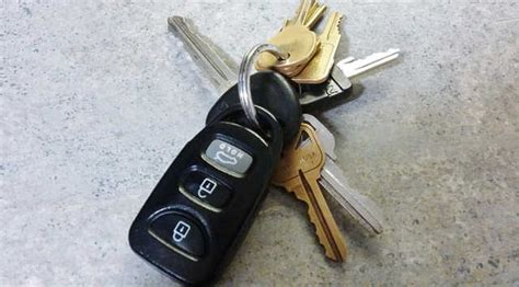 How Does Transponder Car Key Work?