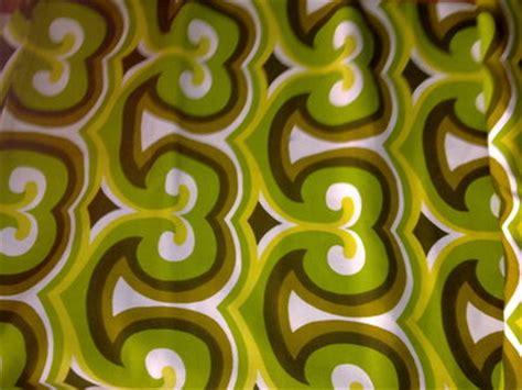 Tappezzerie Anni 70 by Taglio Scolo Stoffa Cotone Optical Verde Giallo Bianco