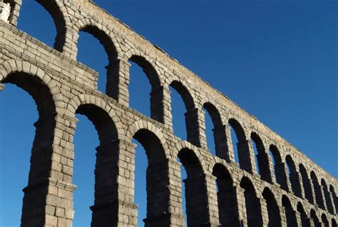 How Much Water Did Rome's Aqueducts Really Carry? Smart