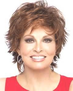coupe cheveux courts femme 50 ans 10 superbes coiffures pour femme de 50 ans