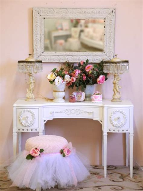 Decorating A Small Room