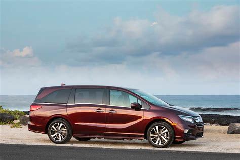 2018 Honda Odyssey Elite First Test Review