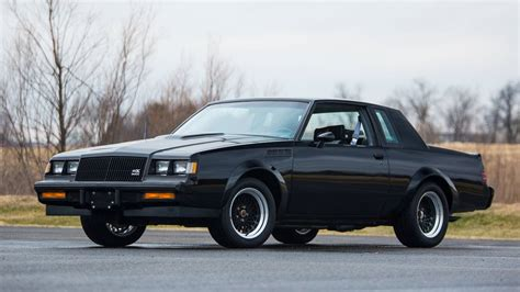 day  smashed   brand  buick gnx hagerty articles