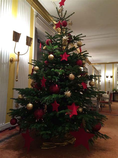 Weihnachtsbaum Rot Silber Geschmückt by Christbaum In Der Klassischen Variante Geschm 252 Ckt Mit