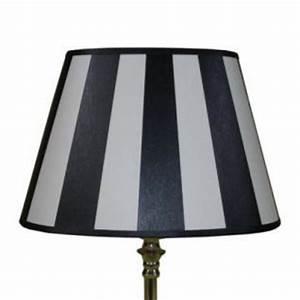 Lampenschirm Schwarz Weiß Gestreift : lampenschirm klassisch oval 20 cm und 25 cm schwarz creme wei gestreift kaufen bei richhomeshop ~ Indierocktalk.com Haus und Dekorationen