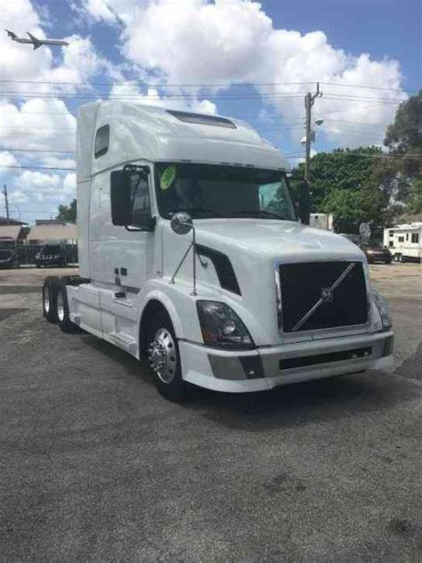 2011 volvo semi truck volvo vnl 670 2011 sleeper semi trucks
