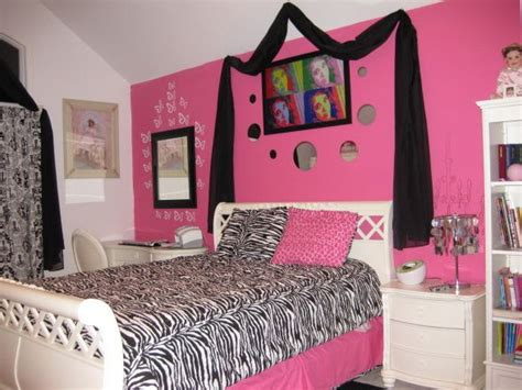 bedroom designs pink best 25 zebra bedroom decorations ideas on pinterest 10400 | ac14cbc1db5a5fca6820c0bd0223dd16 hot pink bedrooms zebra bedrooms