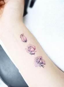 Rosen Tattoo Klein : 1001 ideen und inspirierende bilder zum thema rosen tattoo ~ Frokenaadalensverden.com Haus und Dekorationen