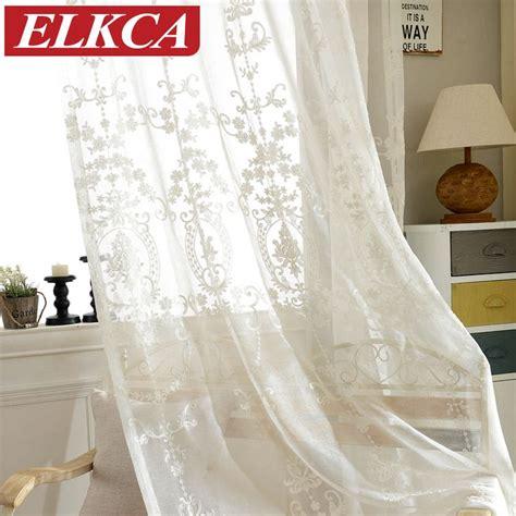 acheter des rideaux pas cher les 25 meilleures id 233 es de la cat 233 gorie rideaux de tulle sur rideaux tutu literie