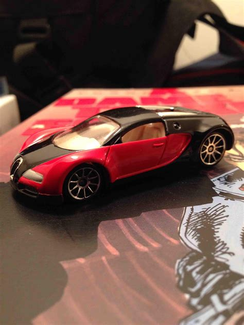 ✅ browse our daily deals for even more savings! 2002 Bugatti Veyron, rare now that Hotwheels lost the license to make them : HotWheels