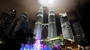 Petronas Towers Top Wallpaper