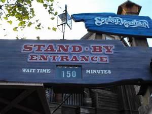 Avoid waiting in lines in Walt Disney World
