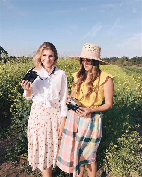 ultimate guide  cute picnic outfits whowhatwear