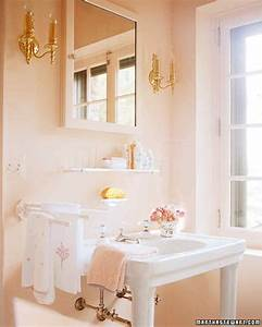 Pink rooms martha stewart for Martha stewart bathrooms