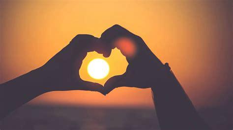 Kamu pasti butuh bahan mentahan untuk aplikasi picsay pro, picsart, pixellab dan editor foto lainnya. Relaxing Romantic Music. Love Music, Stress Relief, Kissy - YouTube