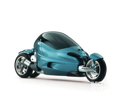 What Fun !! Good Looking Three Wheeler