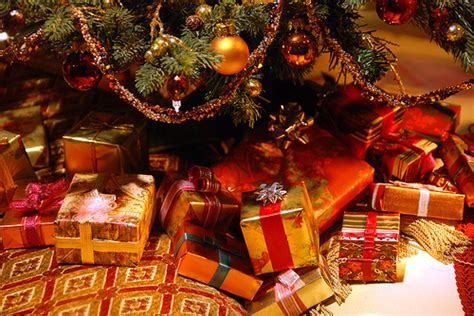 xmas presents   tree pictures   images