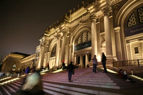 Pics For > Metropolitan Museum Of Art