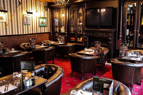 restaurant bureau en plein travaux quot au bureau quot le nouveau pub brasserie