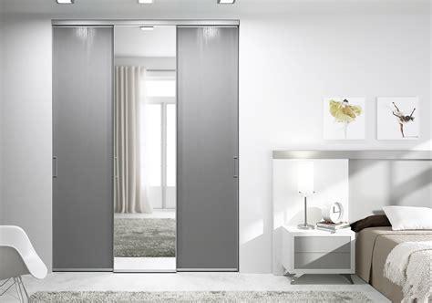 porte placard chambre portes de placard coulissantes de chambre sur mesure