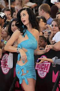 katy perry in a blue dress | ImgDerp