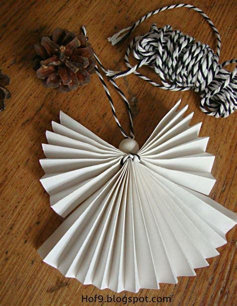 engel falten aus alten büchern basteln diy papierengel engel aus papier falten weihnachtsengel falten weihnachtsdeko