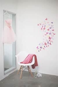Schmetterlinge Als Deko : schmetterling aus tonpapier wandschmuck diy baby ~ Lizthompson.info Haus und Dekorationen