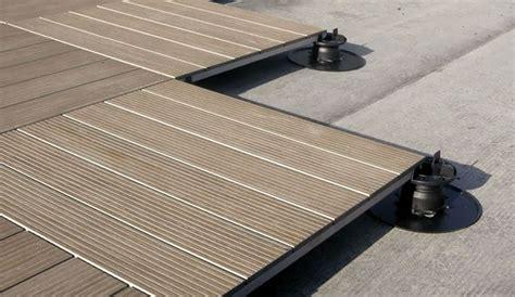 Pavimenti sopraelevati per esterni Pavimento da esterno