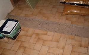 Astuce Enlever Plinthes Carrelage Sur Cloisons : d couper lames de parquet flottant forum rev tements de sols syst me d ~ Melissatoandfro.com Idées de Décoration