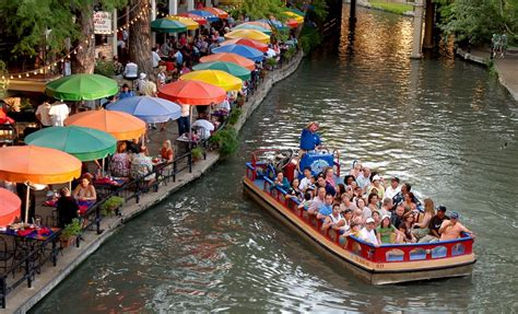 Riverwalk Boat Ride Prices by San Antonio River Walk Attractions San Antonio Explorer Pass